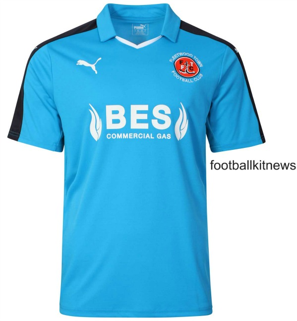 Fleetwood Town Away Shirt 2016 17 Blue