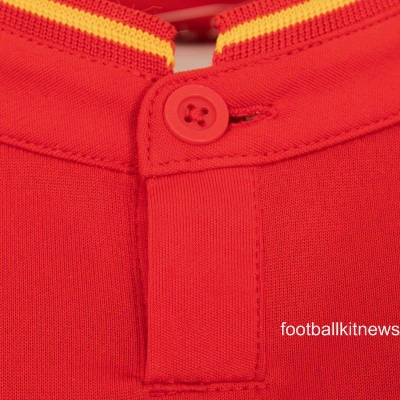 Liverpool Home Shirt Closeup 16 17