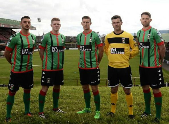 New Glentoran FC Kit 17 18