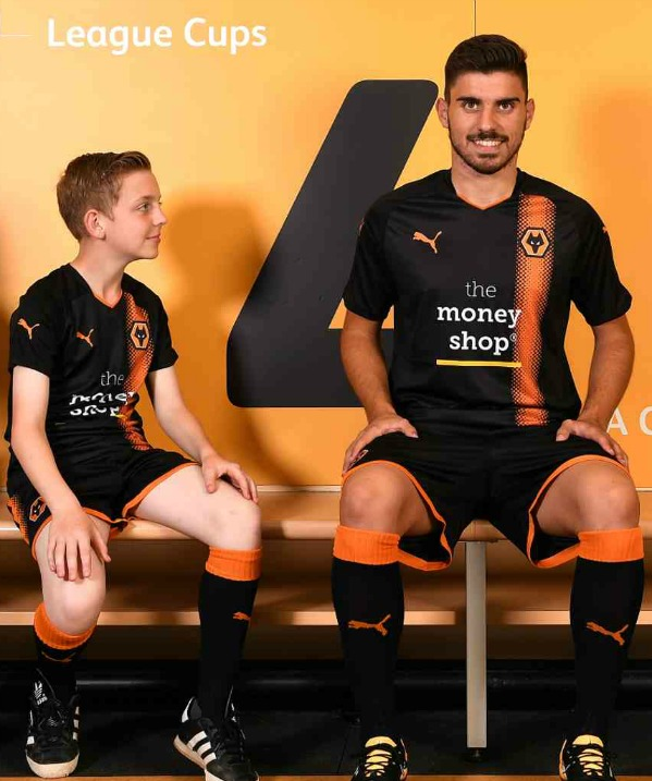 New Wolves Away Shirt 2017 2018