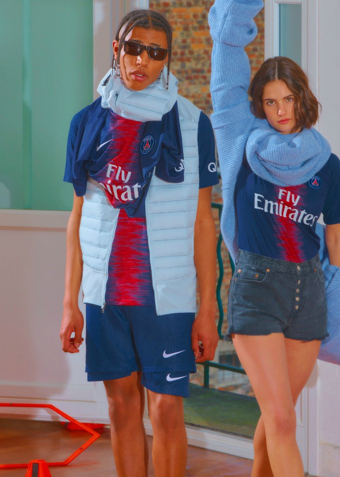 PSG Fans Modelling New Kit
