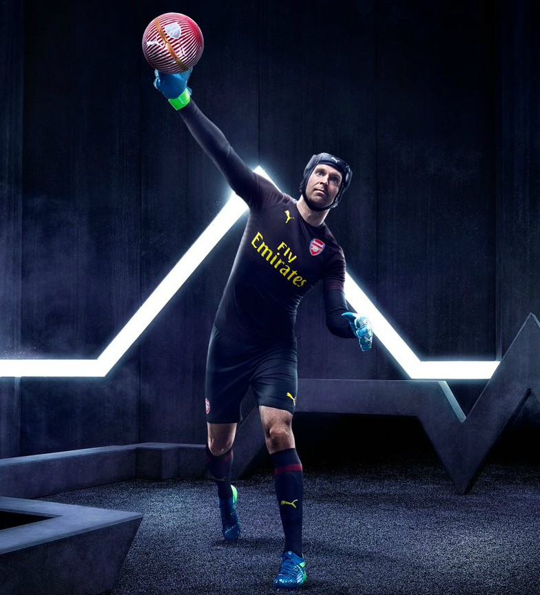 Petr Cech Arsenal Goalkeeper Kit 18-19