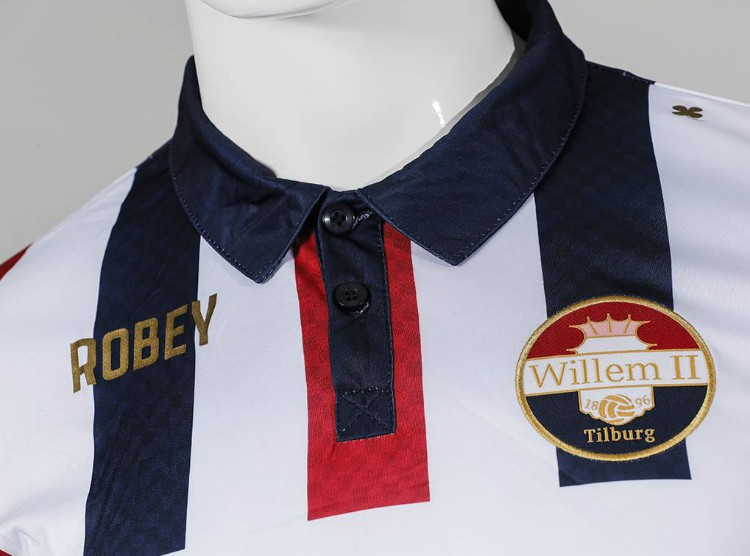 Closeup of Willem II Jersey 2018 19
