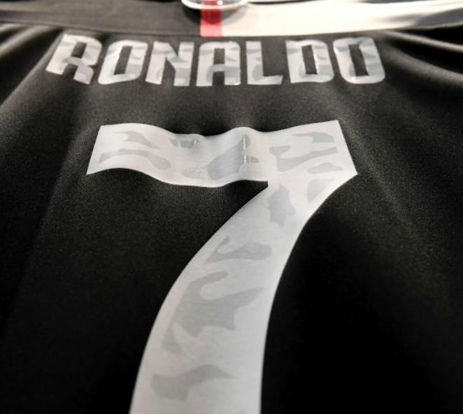 Ronaldo 7 Juventus Shirt 19-20