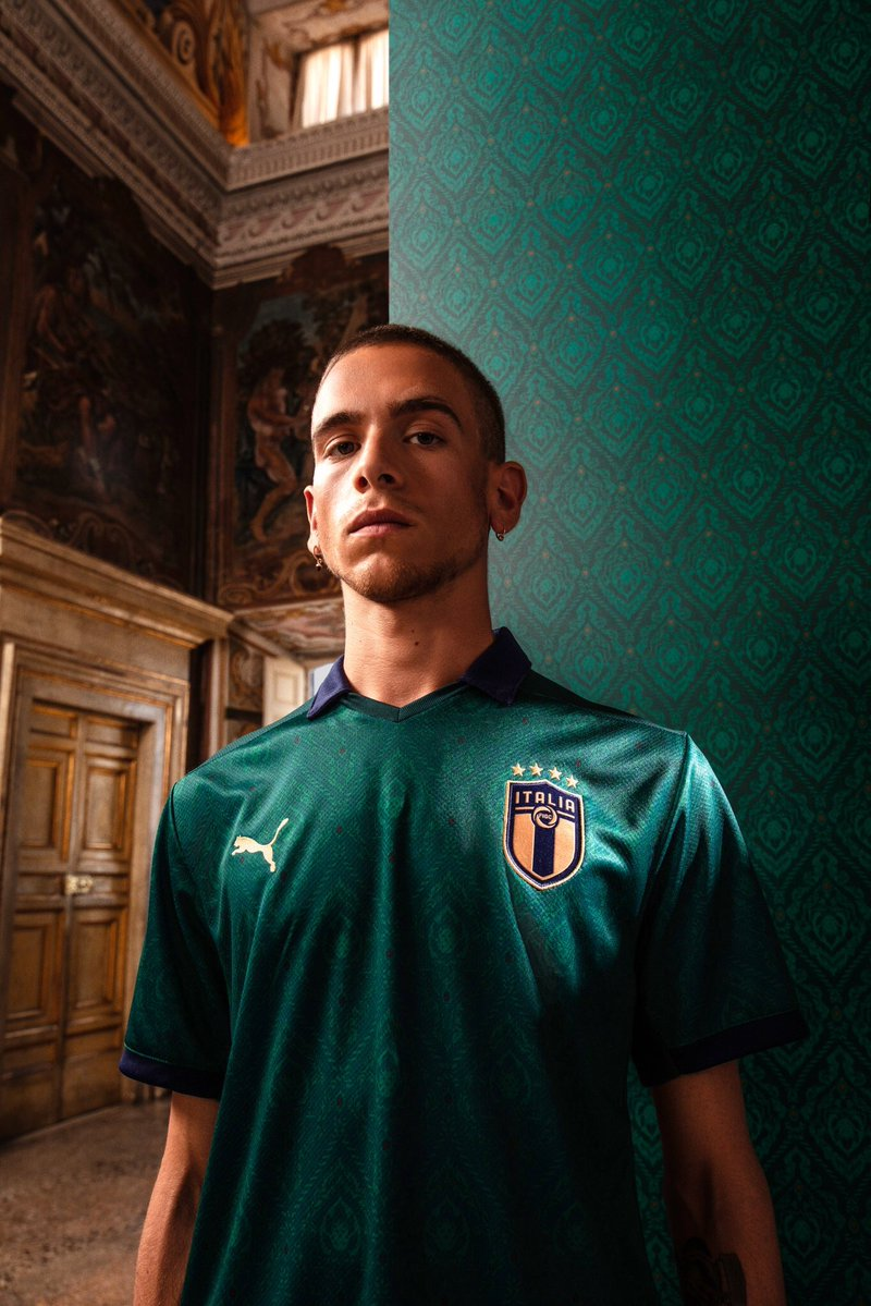 Italia Renaissance Football Shirt 2019