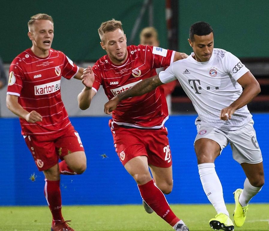 Bayern in away kit against Cottbus German Cup 2019