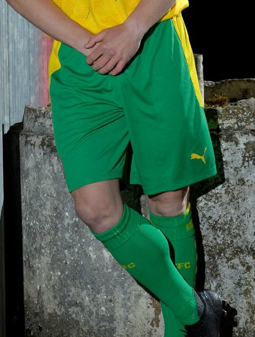 Cliftonville Away Shorts Socks Green 2020