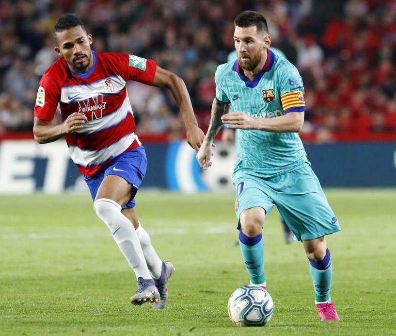 barcelona wearing third kit vs granada 2019