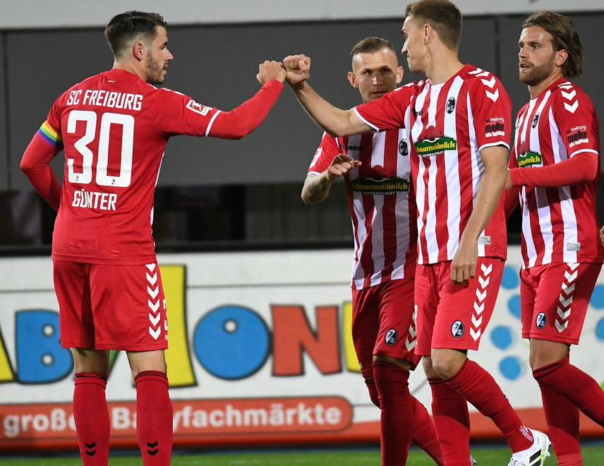 Freiburg Sondertrikot vs Gladbach 2020