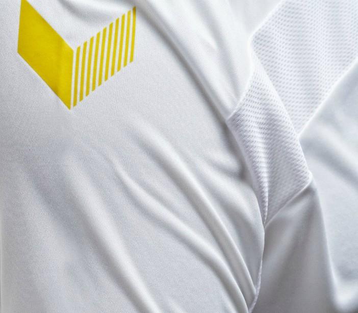 Hummel Chevrons on Kilmarnock Away Shirt 20-21
