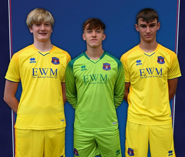 Carlisle United Goalkeeper Kit 2020-21