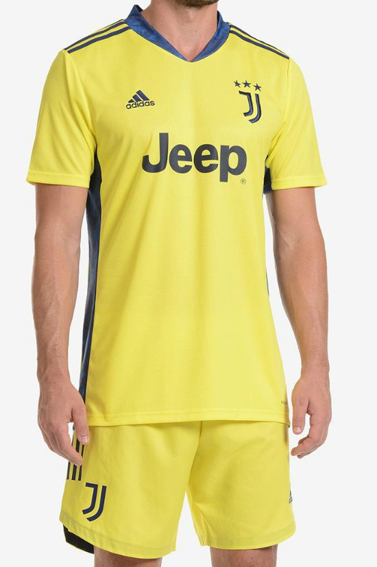 Juve Goalkeeper Kit 20-21