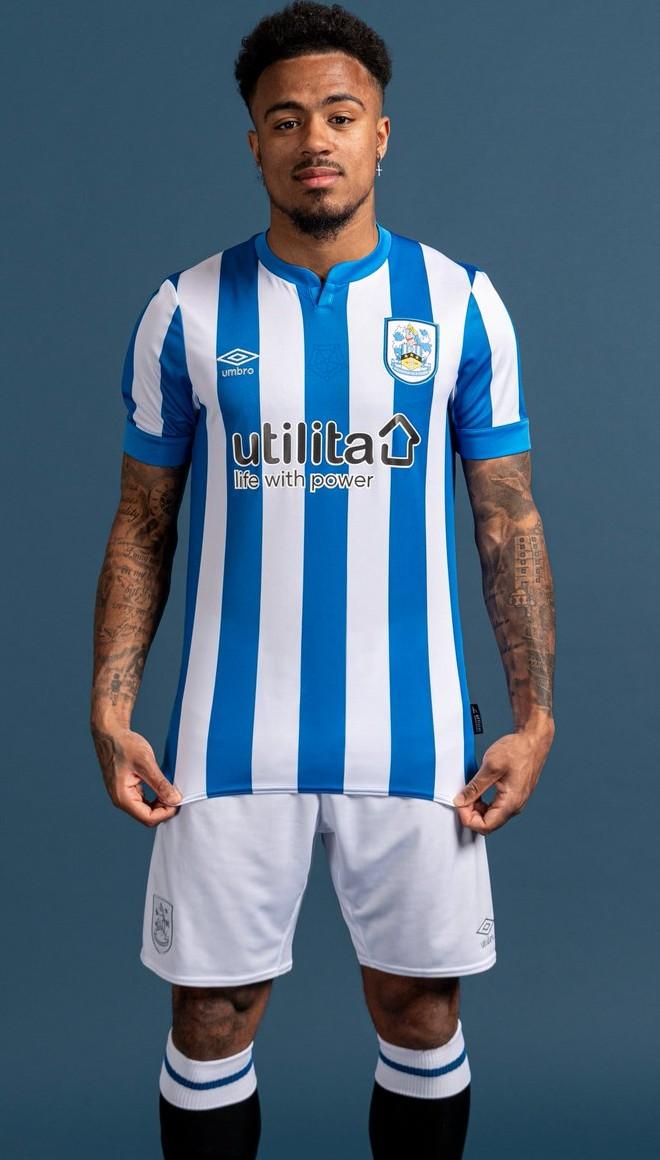 New Huddersfield Town Jersey 2021 2022