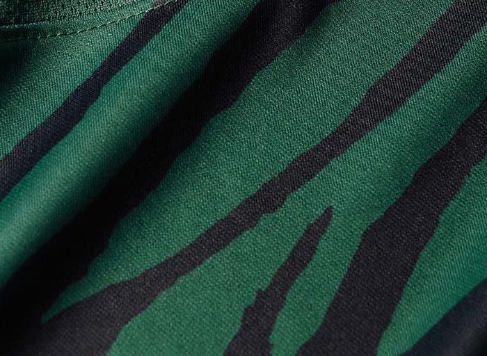 Closeup of Sporting UCL Shirt 21-22